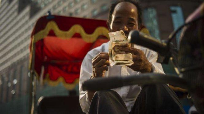 Bắt mạch kinh tế Trung Quốc: Nhà giàu do dự, nhà nghèo thờ ơ