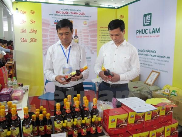 thiet lap kenh phan phoi vung chac cung la mot giai phap ngan chan hang gia. (anh: duc duy/vietnam+)