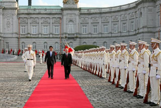 Tổng Bí thư đề nghị Thủ tướng Nhật cấp ODA làm đường sắt, sân bay tại Việt Nam