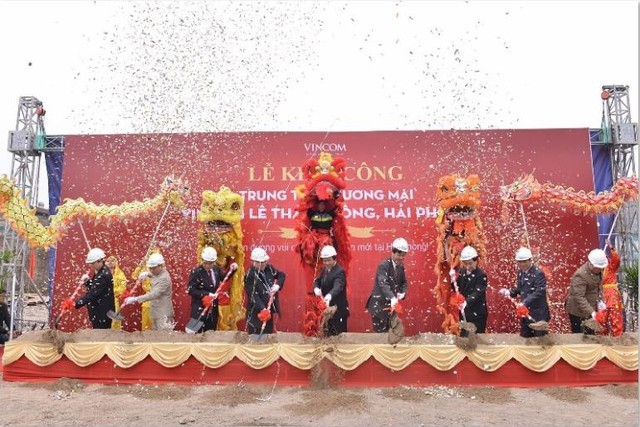 du an vincom le thanh tong – hai phong duoc khoi cong vao thang 2/2015 voi so von gan 600 ty dong, bao gom khu nha pho thuong mai - shophouse doc dao.