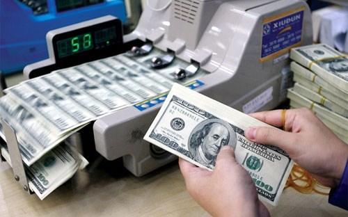 """Tỷ giá và tiền """"nóng"""""""