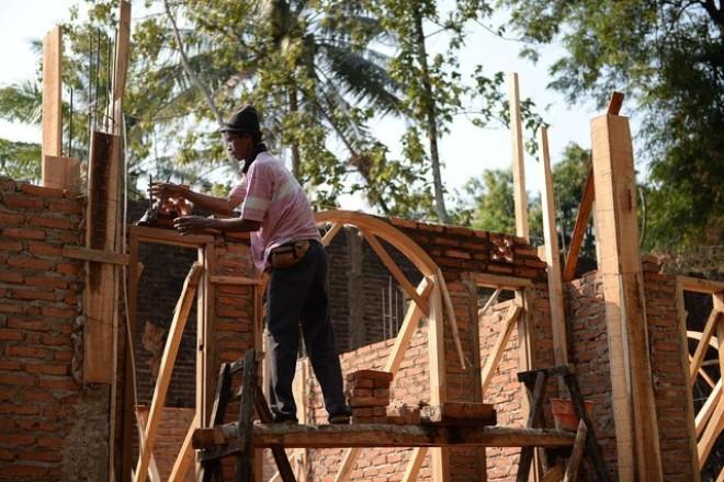 Chứng khoán Đông Nam Á: Càng cứu càng giảm