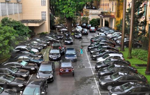 40.000 xe công 'ngốn' gần 13.000 tỷ đồng mỗi năm