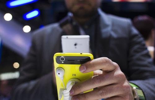 Điện thoại giá rẻ Trung Quốc xâm chiếm thị trường Mỹ